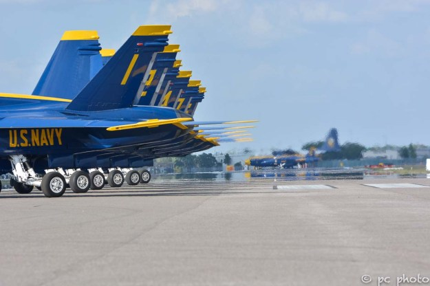 #9 Blue Angels powering down engines-468